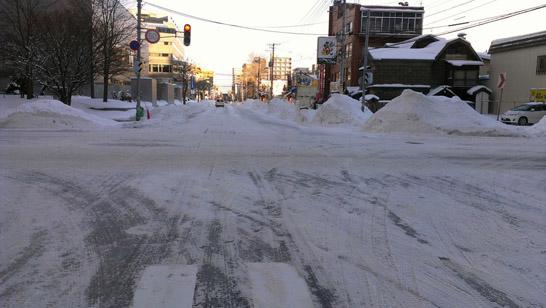 北海道の冬の道