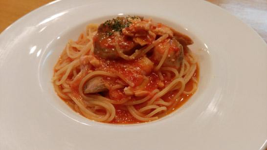 シーフードのトマトパスタ