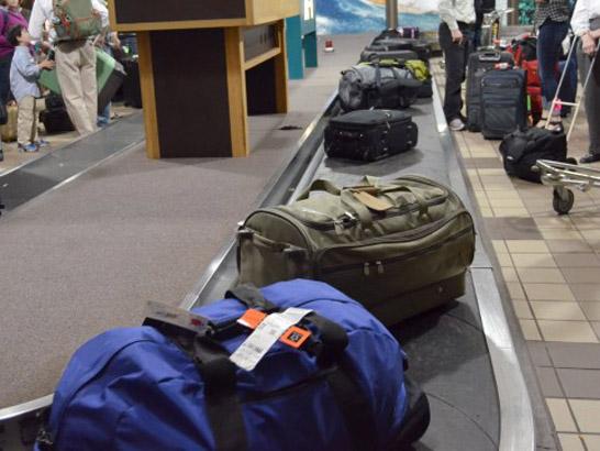 空港の荷物受け取り場