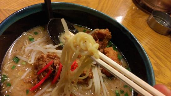 てっぺん亭の麺