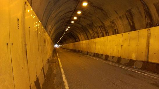 旧観音坂トンネル内部