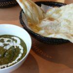 本格ネパールカレーの栗山町「earth」はお洒落で入りやすくてナンカレーが美味