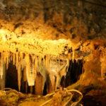 トロッコに乗って鍾乳洞へ!東海地方最大級の岐阜県「大滝鍾乳洞」を探索