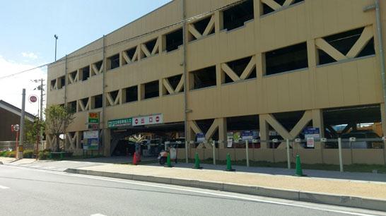 モンデクール駐車場