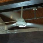 天井に取り付けられるプロペラ「シーリングファン」の意味とは?