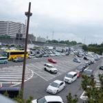 高速道路のサービスエリアやパーキングエリアの駐車場が斜めである理由