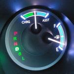ガソリンを少量給油してもメーターも航続可能距離も増えない理由